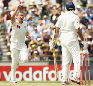 Peter Siddle broke India's innings by dismissing Virat Kohli and VVS Laxman just before tea