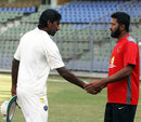 Wasim Jaffer and L Balaji shake hands at the end of the game, Mumbai v Tamil Nadu, 2nd semi-final, Ranji Trophy 2011-12, Mumbai, 4th day, January 13, 2012