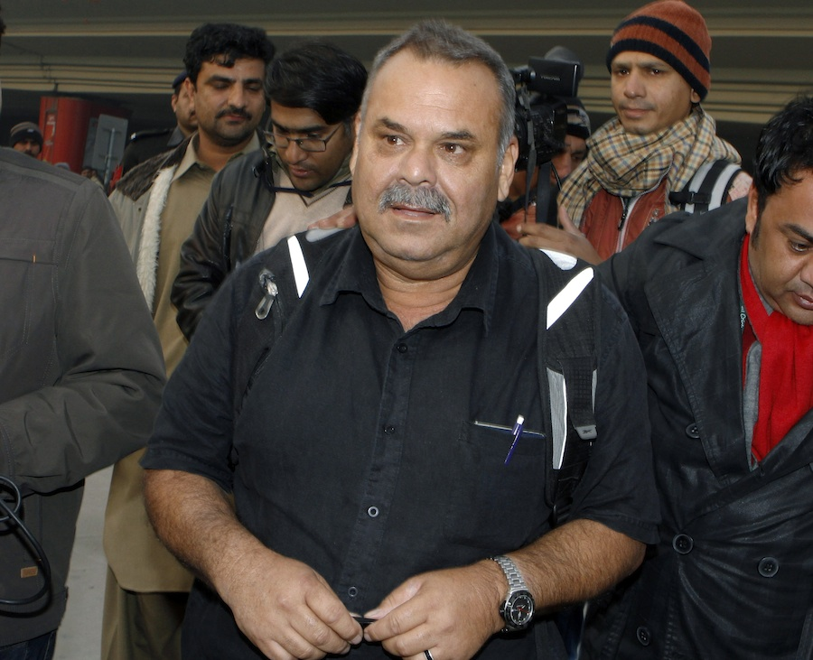 141323 - Whatmore arrives in Lahore to meet with PCB