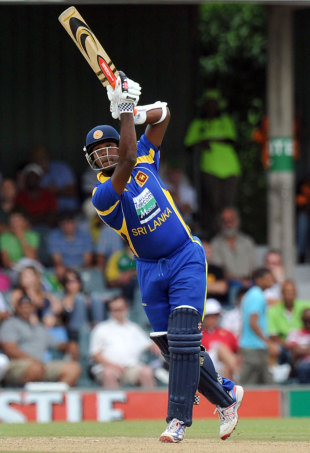 Angelo Mathews lofts down the ground, South Africa v Sri Lanka, 2nd ODI, East London, January 14, 2012