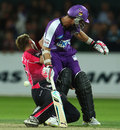 Brett Lee collides with Phil Jaques, Hobart Hurricanes v Sydney Sixers, 2nd semi-final, BBL 2011-12, Hobart, January 22, 2012