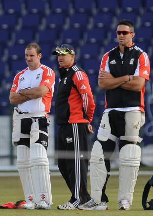 Andrew Strauss, Andy Flower and Kevin Pietersen observe England's net session, Abu Dhabi, January, 24, 2012