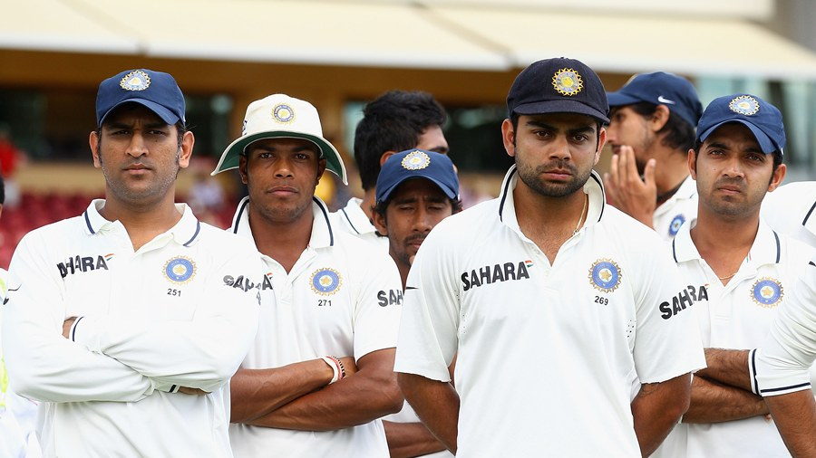 MS Dhoni and his team-mates after the loss