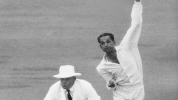 Bapu Nadkarni bowling against Australia