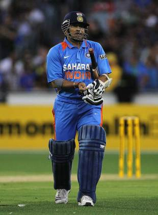 Sachin Tendulkar fell for 2, Australia v India, CB Series, 1st ODI, Melbourne, February 5, 2012
