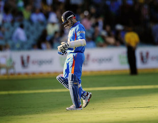 Virender Sehwag walks off, Australia v India, Commonwealth Bank Series, Adelaide, February 12, 2012
