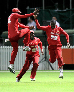 Zimbabwe celebrate a wicket, New Zealand v Zimbabwe, 2nd Twenty20 international, Hamilton, February 14, 2012