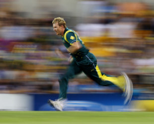 Brett Lee bowled with pace and verve, Australia v India, CB Series, Brisbane, February 19, 2012