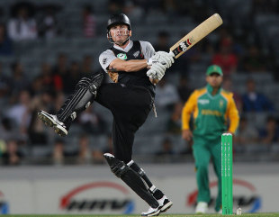 Rob Nicol got the chase off to a quick start, New Zealand v South Africa, 3rd Twenty20, Auckland, February 22, 2012