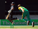 Rob Nicol avoids a bouncer from Morne Morkel