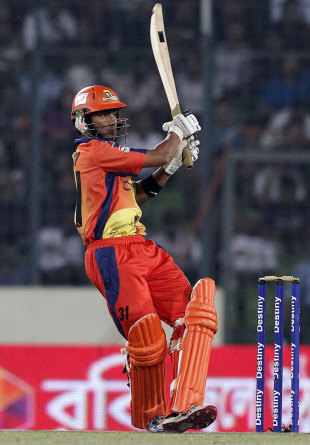 Anamul Haque pulls during his unbeaten 49, Barisal Burners v Dhaka Gladiators, BPL, final, Mirpur, February 29, 2012