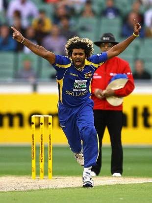 Lasith Malinga had Australia in early trouble, Australia v Sri Lanka, CB series, Melbourne, March 2, 2012