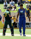 David Warner and Farveez Maharoof exchange words, Australia v Sri Lanka, CB Series, 3rd final, Adelaide, March 8, 2012