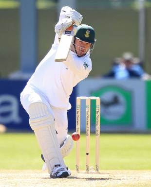 Graeme Smith drives down the ground, New Zealand v South Africa, 1st Test, Dunedin, 3rd day, March 9, 2012