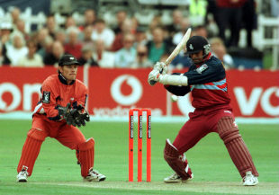 Dravid turns out for the Kent Spitfires in 2000