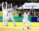 Imran Tahir trapped Brent Arnel lbw, New Zealand v South Africa, 2nd Test, Hamilton, 1st day, March 15, 2012