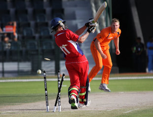 Tim van der Gugten took 4 for 22 in Netherlands' victory, Bermuda v Netherlands, ICC World Twenty20 Qualifier, Abu Dhabi, March 15, 2012