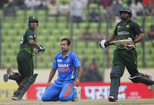 Mohammad Hafeez and Nasir Jamshed's 224-run opening stand had put India under pressure