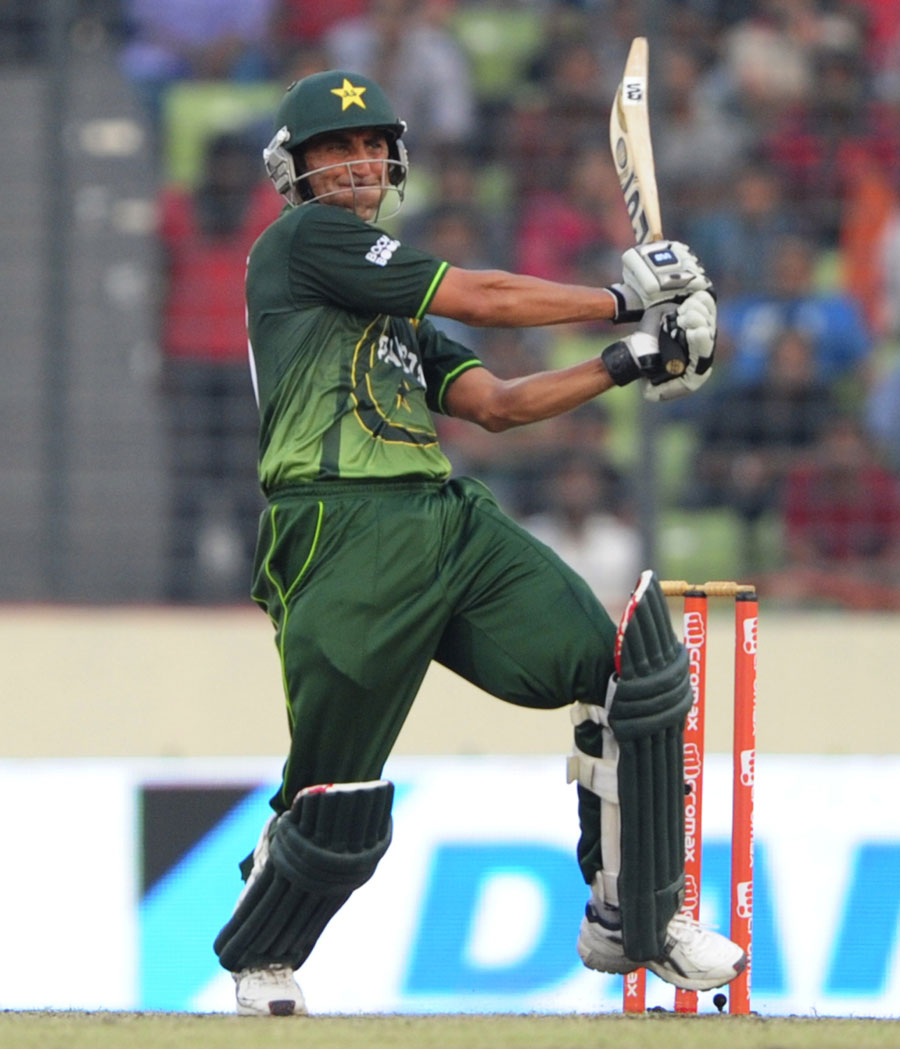 143685 - Selectors to discuss ODI future with Younis Khan