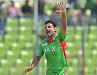 Mashrafe Mortaza celebrates the wicket off Nasir Jamshed, Bangladesh v Pakistan, Asia Cup, final, Mirpur, March 22, 2012