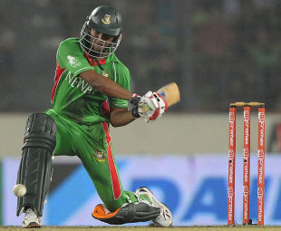 Shakib Al Hasan gets ready to play a slog sweep, Bangladesh v Pakistan, Asia Cup final, Mirpur, March 22, 2012