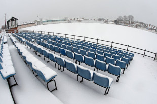 Snow blankets the County Ground, Northampton, January 6, 2010