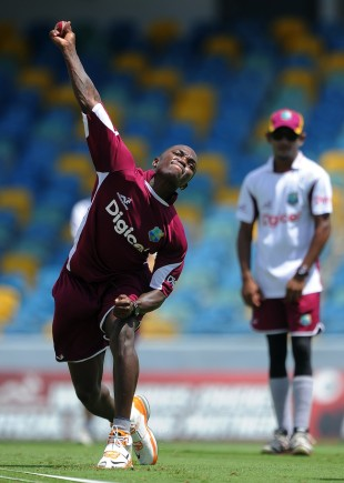Fidel Edwards in delivery stride, Bridgetown, April 6, 2012