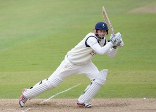 Joe Root tries to save the game for Yorkshire, Yorkshire v Kent, Headingley, 4th Day, April, 8, 2012