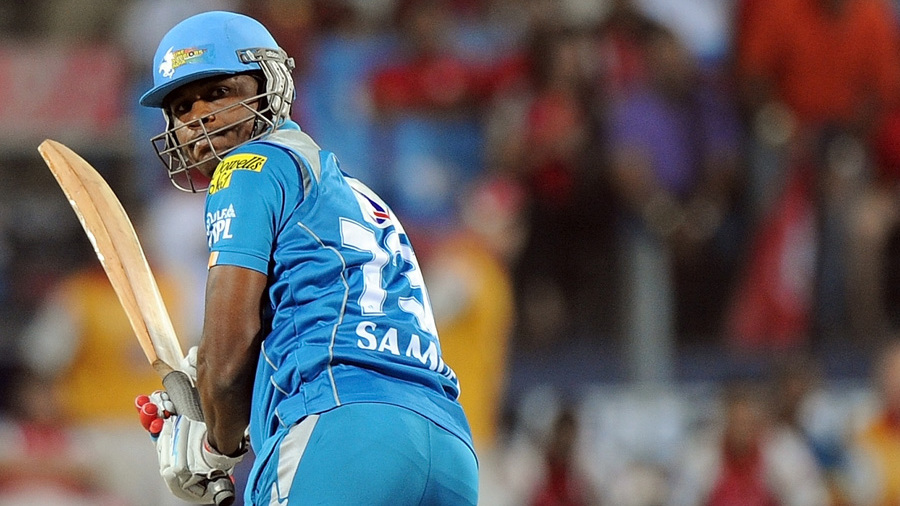 Marlon Samuels replaces De Kock for Daredevils