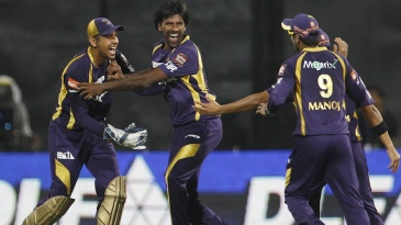 Lakshmipathy Balaji celebrates a wicket