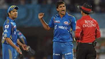 Munaf Patel has words with the umpire