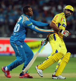 Marlon Samuels collides with M Vijay, Pune Warriors v Chennai Super Kings, IPL 2012, Pune, April 14, 2012