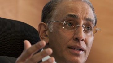 Haroon Lorgat speaks to the media after the ICC executive board meeting