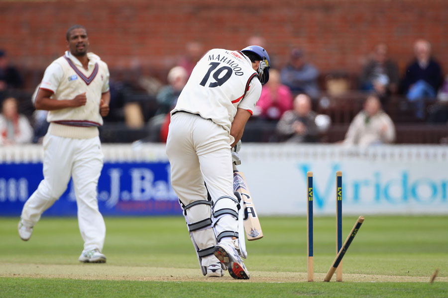 Saj Mahmood is bowled by Vernon Philander