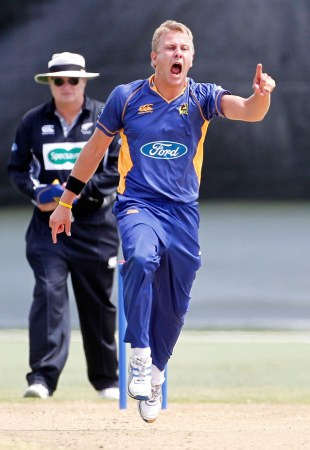 Neil Wagner celebrates a wicket, Auckland v Otago, January 30, 2011