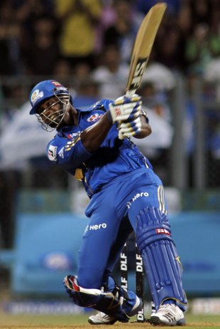 Dwayne Smith hit the last three balls to the straight boundary, Mumbai Indians v Chennai Super Kings, IPL 2012, Mumbai, May 6, 2012