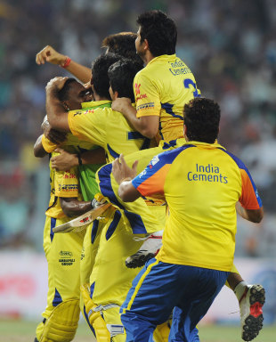 Dwayne Bravo is mobbed by his team-mates, Kolkata Knight Riders v Chennai Super Kings, IPL, Kolkata, May 14, 2012