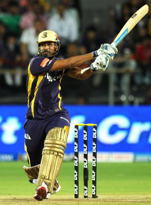 Yusuf Pathan powers one away during a handy cameo, Delhi Daredevils v Kolkata Knight Riders, 1st qualifier, IPL 2012, Pune, May 22, 2012
