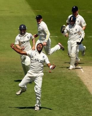 Jeetan Patel took six wickets to bowl out Surrey, Surrey v Warwickshire, County Championship, Division One, The Oval, May 25, 2012