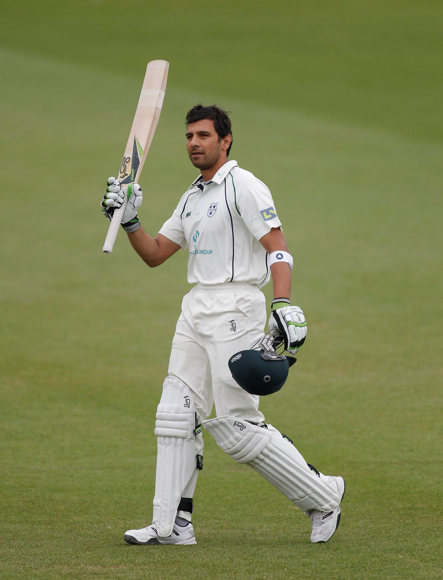 Vikram Solanki reached his century before Worcestershire collapsed