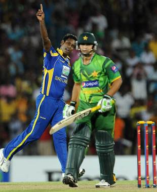 Angelo Mathews sends back Khalid Latif, Sri Lanka v Pakistan, 1st T20I, Hambantota