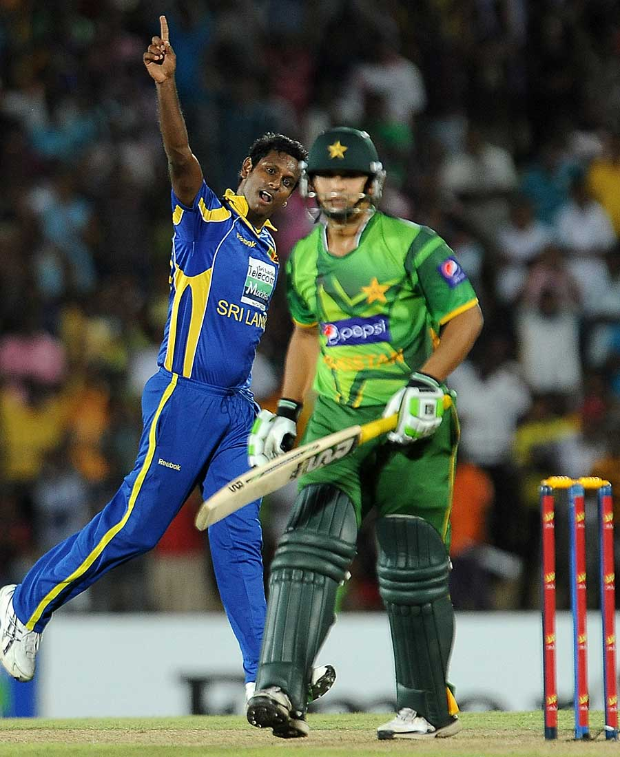 Angelo Mathews sends back Khalid Latif