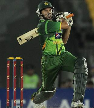 Shahid Afridi slaps one on his way to a half-century, Sri Lanka v Pakistan, 2nd T20I, Hambantota