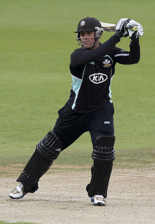 Rory Hamilton-Brown hits through the off side after a delayed start, Surrey v Hampshire, Clydesdale Bank 40, Group B, The Oval, June 3, 2010