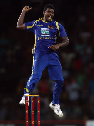 Thisara Perera ripped through Pakistan's middle order, Sri Lanka v Pakistan, 4th ODI, Colombo, June 16, 2012