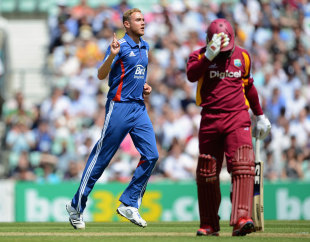 Stuart Broad had Dwayne Smith caught behind for a duck, England v West Indies, 2nd ODI, The Oval, June 19, 2012