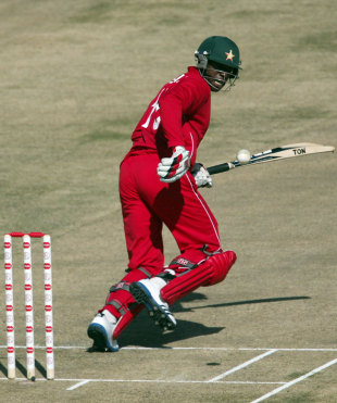 Vusi Sibanda top scored with 58, Zimbabwe v South Africa, T20 tri-series, Harare, June 20, 2012