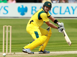 Shane Watson runs it down to third man on way to 33, Essex v Australians, Tour match, Chelmsford, June 26, 2012