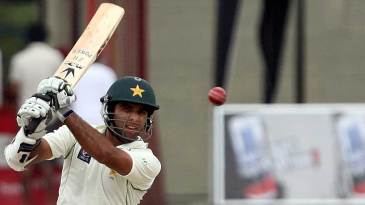 Taufeeq Umar made an unbeaten 42 in Pakistan's second innings