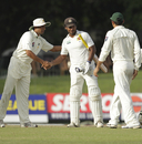 Players shake hands as the second Test ends in a draw, Sri Lanka v Pakistan, 2nd Test, SSC, Colombo, 5th day, July 4, 2012
